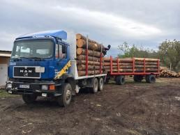 Транспорт и извозване на дървен материал с камиони
